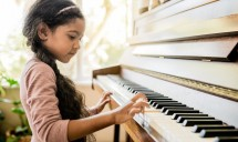Music piano class for kids 5-11y.o
